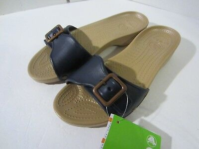 72d90f50c NWT WOMEN S CROCS Sarah Sandal Relaxed Fit Navy Gold 203054-490 NEW ...