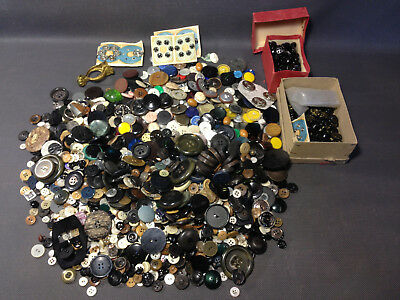 Big lot antique buttons sewing vintage scrapbooking deco haberdashery
