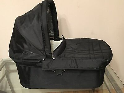 UPPAbaby Black Stroller Bassinet w/ Apron Only Uppa Baby 2014+