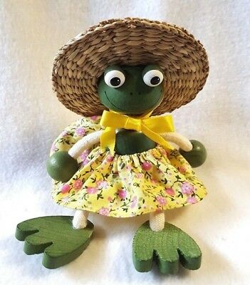 """Frog Figurine by Bouncies From Bohemia Wood Green Hanger on Top No Spring 6"""""""