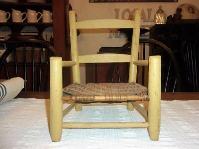 AAFA Early Antique Primitive Ladder Back Chair   Old Yellow Paint 19th C  SWEET