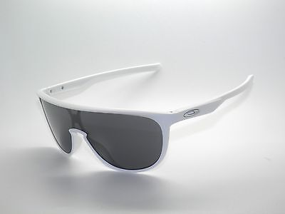 f8a9da5e8 NEW OAKLEY TRILLBE Sunglasses OO9318-02 Matte White / Black Iridium ...
