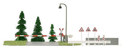 Busch Railway Crossing and Accessories 6040 HO Scale