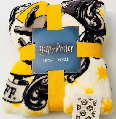 HARRY POTTER HUFFLEPUFF FLEECE THROW BLANKET - 125CM X 150CM Primark