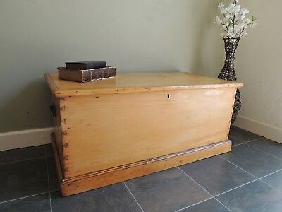 Beautiful -Antique-Solid-Pine-Victorian-Chest-Blanket Box Drawers Inside !!