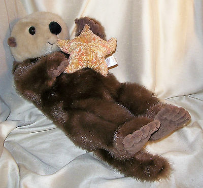 """Plush Animal ~ A Bon Marche Exclusive ~ Otter with Star Fish ~ 17 1/2"""" Long"""
