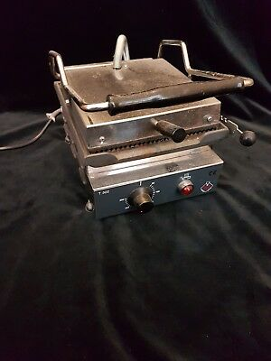 M&M Professional Catering toaster pannini maker in working order heavy