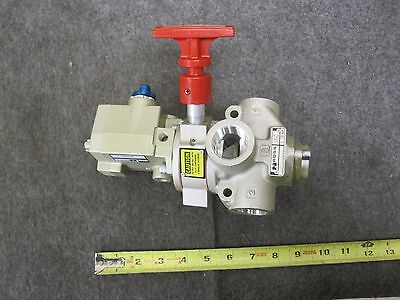 New Ross D2773A6805 Lock Out Exhaust Pneumatic Solenoid Valve 24 Vdc