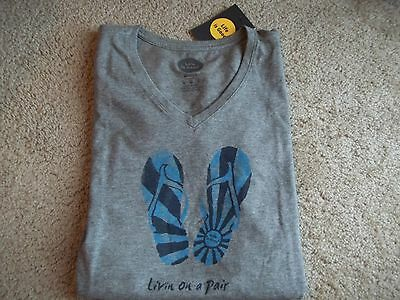 Life is Good Water Color Flip Flops s/s V-Neck T-Shirt~Classic Fit~New~Size M