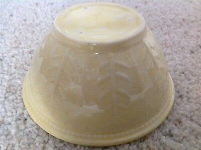 Vintage Shawnee feather mixing bowl yellow USA mark