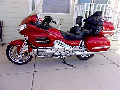 2002 Honda Gold Wing  2002 HONDA GOLDWING GL1800, BEAUTIFUL ABS, ILLUSION RED  LOADED, EXTRAS, SUPERB!