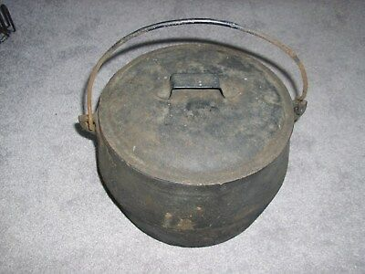 Vintage Cast Iron Kettle Dutch Oven With Handle And Tin Lid
