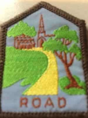 Girl Guides / Scouts Brownie Guide Road Light Green
