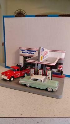 1/43rd wallys garage with original box and vehicles
