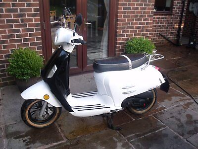 Bellissima 50cc Scooter