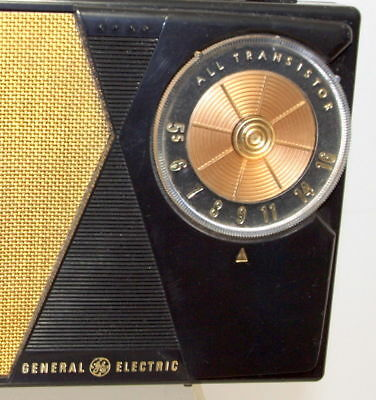 General Electric P807 Portable 5 Transistor 1963 AM Radio Case + Booklets MiNT