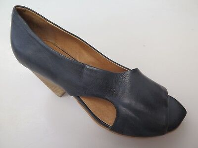 *Special* - Silent D - new ladies leather shoe size 37 #136