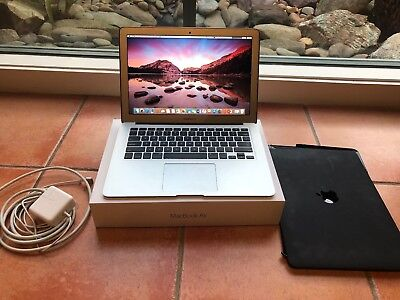 "Apple MacBook Air 13.3"" 8GB RAM 128GB SSD 1.6GHZ i5 2015 WITH CHARGER + CASE"