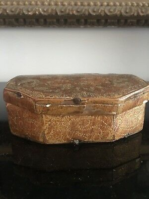 ORIGINAL  VERY RARE ** 17th CENTURY **  GILDED AND GESSOED WOOD BOX