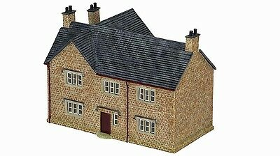 Hornby The Country Farm House R9848 OO Scale (suit HO also)