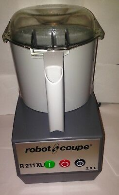 Robot Coupe , Food Processor Veg Prep Vegetable Cutter Mixer R211Xl