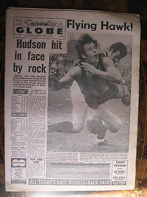Sporting Globe JUNE 5 1971 Peter Hudson Hit By Rock AT Game