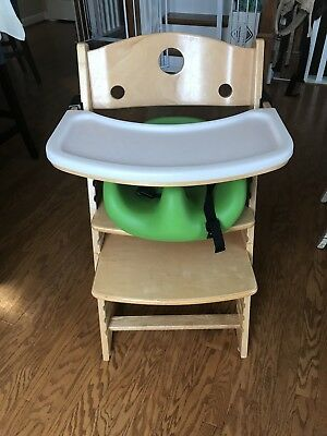 Keekaroo Adjustable Height Right Wood High Chair w/Booster