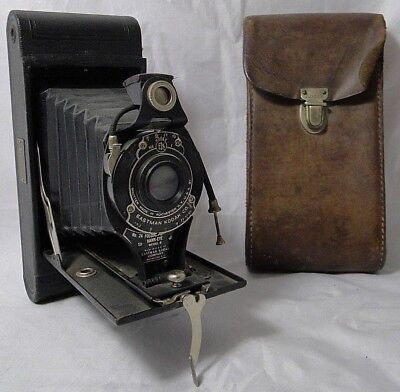 Folding 2A Cartridge Hawk Eye Model B Kodak No. 25643 Usa 150452 Trylor B1787