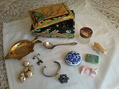 Mixed Lot Of Vintage Collectables & Jewellery.