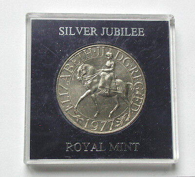1977 UK (British) ERII Coin - 25 Pence - UNC - Royal Mint Case - Queen on Horse