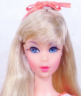 STUNNING Vintage Blonde Twist 'N Turn Barbie Doll MINT