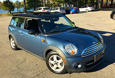 2011 Mini Clubman 3-Door Hatchback 2011 Mini Cooper Clubman 6 Speed Loaded with Panoramic Sunroof, Premium Package
