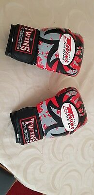 twins red tribal boxing gloves hand made cowhide leather 10oz, 12oz, 14oz, 16oz