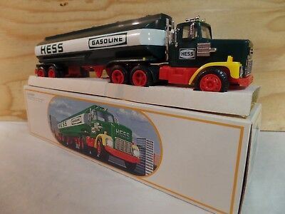 1984 Hess Toy Truck Gas Oil Advertising Gasoline Tanker Bank Truck