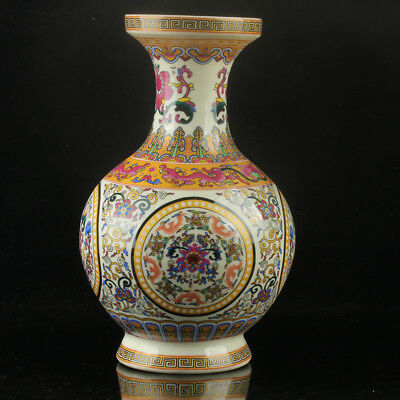 Chinese Porcelain Hand-Painted Flower Vase Mark As The Qianlong Period R1143`b
