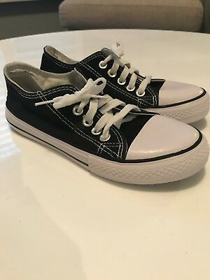 Converse All Star kids unisex low rise runners black size 1.5 EUR 32