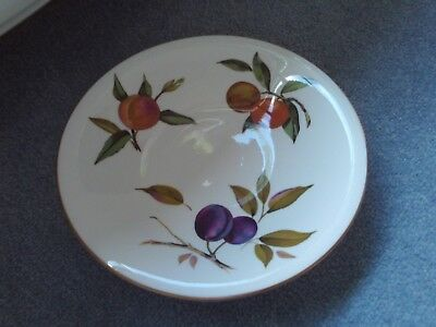 Royal Worcester 'Arden' 1974 - cake dish / stand