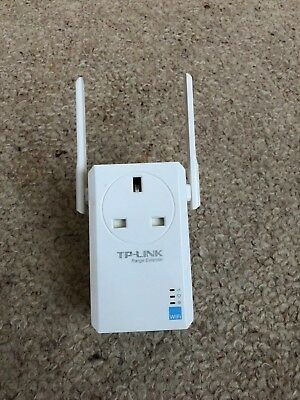TP-LINK TL-WA860RE (300Mbps) WiFi Range Extender with AC Passthrough FREE P&P