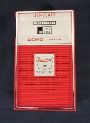 Vintage Sinclair Gas Punmp Red Transistor AM RADIO in Case Dino Oil Advertising