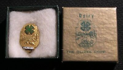 VINTAGE OLIVER TRACTOR 4H DAIRY 10K GF AWARD PIN W/ ORIGINAL BOX - Agriculture
