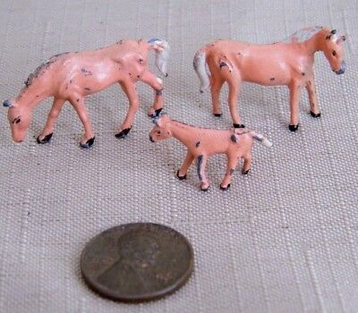 Vintage Hand Painted Cast White Metal Miniature Horses Palomino ~ HO Scale