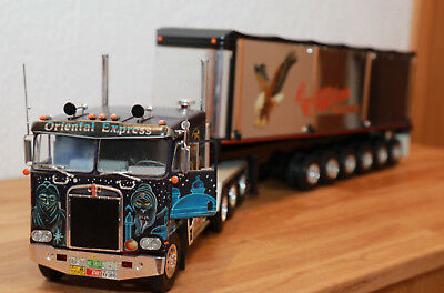 Revell 7527 + 7519 1:25 Kenworth Oriental Express + Heavy Gravel Trailer