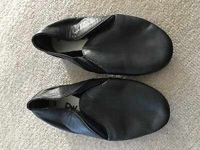 Girls Leather Dancing Shoes - Size 8