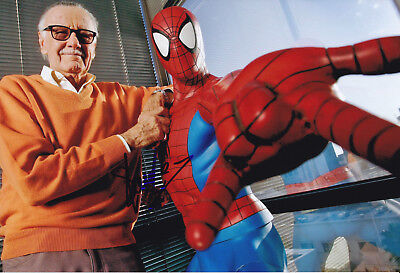 Stan Lee (1922) Comic legend / original sign. photo 20x30 cm / autograph