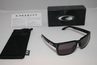 Oakley Holbrook Sunglasses Matte Black Frame Warm Grey Lens - OO9102-01
