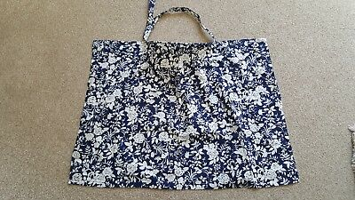 Navy and white floral breast feeding cover