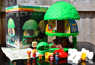Vintage 1970's Palitoy Family Tree House & accessories