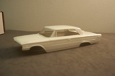 Amt 1963 Ford Galaxie (Box Top)   1/25 Scale Resin