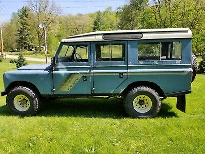 1971 Land Rover Defender series 109  1971 LAND ROVER SERIES/DEFENDER RH DRIVE 109 COUNTY