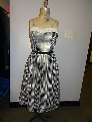 1940's Jerry Gideon Dress with sweetheart neckline, white embroidered daisies